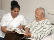 Sairaanhoitajan ammatilliset osaamisvaatimukset maahanmuuttajasairaanhoitajien täydennyskoulutuksen kehittämisessä